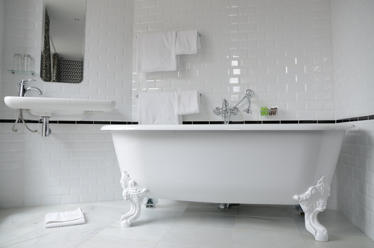 1000 images about bathrooms wcs on pinterest bathroom for Carrelage blanc