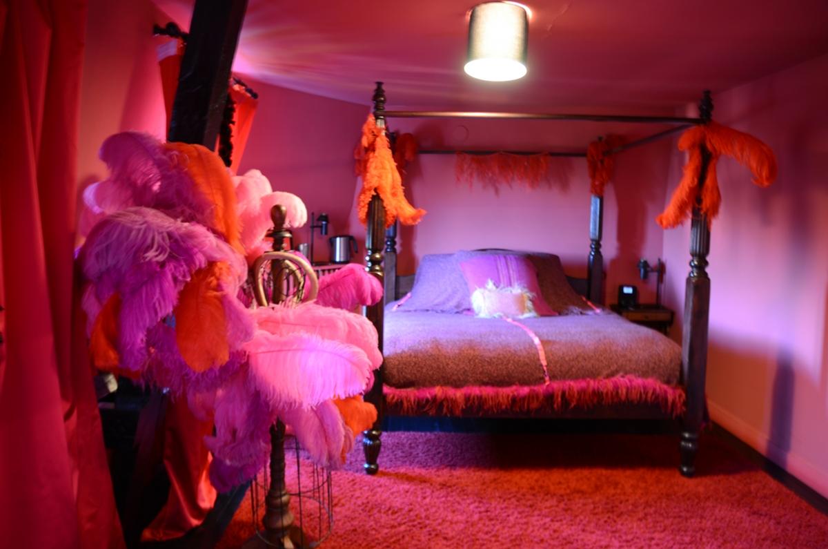 Les chambres de la maison d h tes de stella cadente envie d 39 etre ailleurs for Chambre romantique rouge